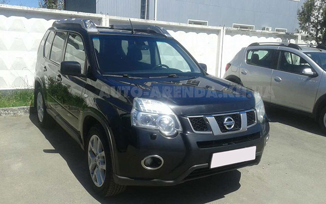 Аренда Nissan X-trail на свадьбу Харьков