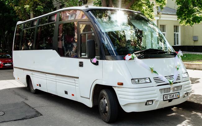 Аренда Автобус Mercedes Mago на свадьбу Харьков