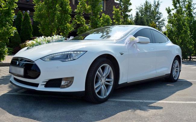 Аренда Tesla Model S на свадьбу Харьков
