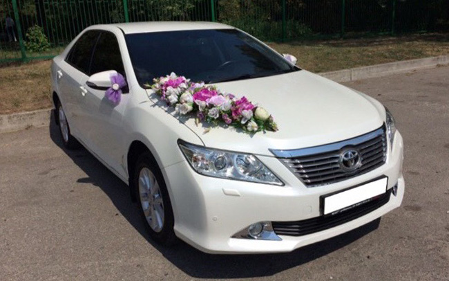 Аренда Toyota Camry 50 на свадьбу Харьков